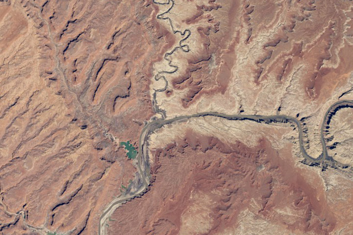 World of Change: Water Level in Lake Powell