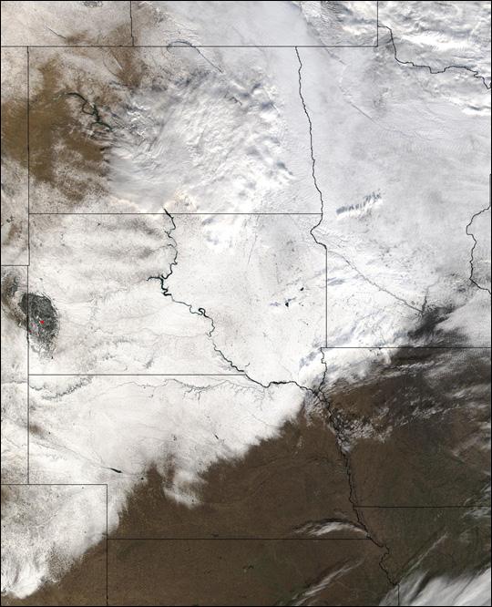 Snowstorm Blankets Midwestern U.S.
