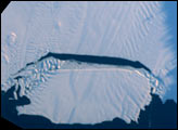 Birth of a Large Iceberg in Pine Island Bay, Antarctica