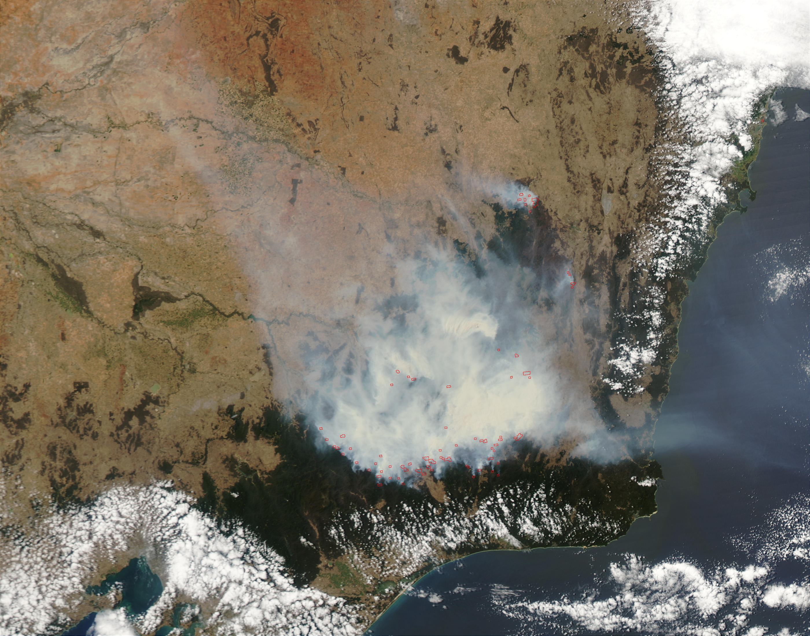 Fires and smoke in Southeast Australia - related image preview