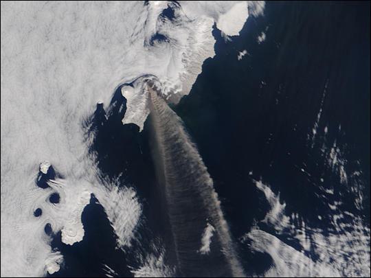 Eruption of Chikurachki Volcano in Kuril Islands