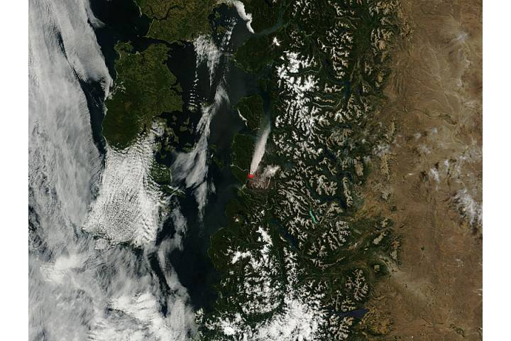 Plume from Chaiten volcano, Chile - selected image
