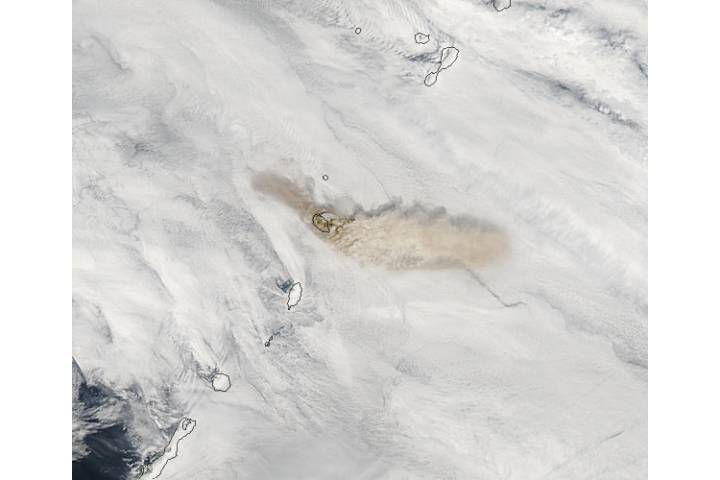 Ash plume from Sarychev Peak, Matua Island, Kurile Islands - selected image