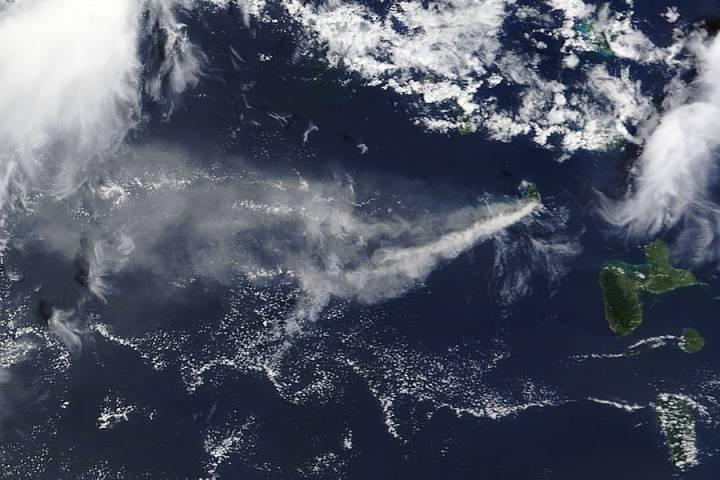 Ash Plume from Soufriere Hills, Montserrat - selected image