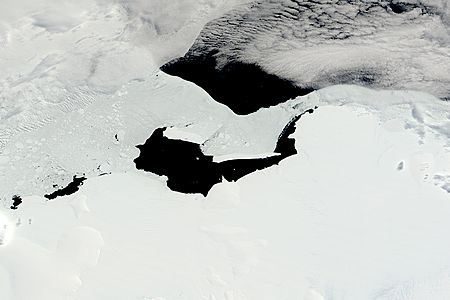 Icebergs B15F and B15K off the Princess Martha Coast, Antarctica - related image preview