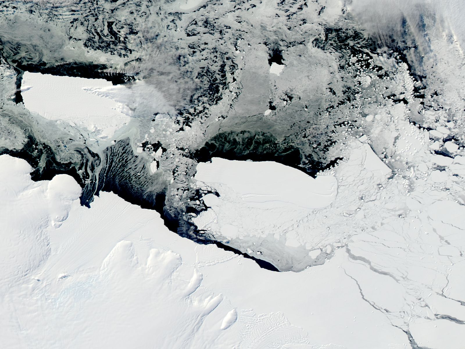Mertz Glacier tongue and Iceberg B9B (after collision) - related image preview