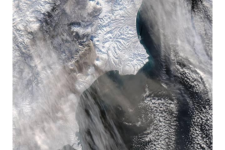 Ash plume from Kizimen, Kamchatka Peninsula, eastern Russia - selected image