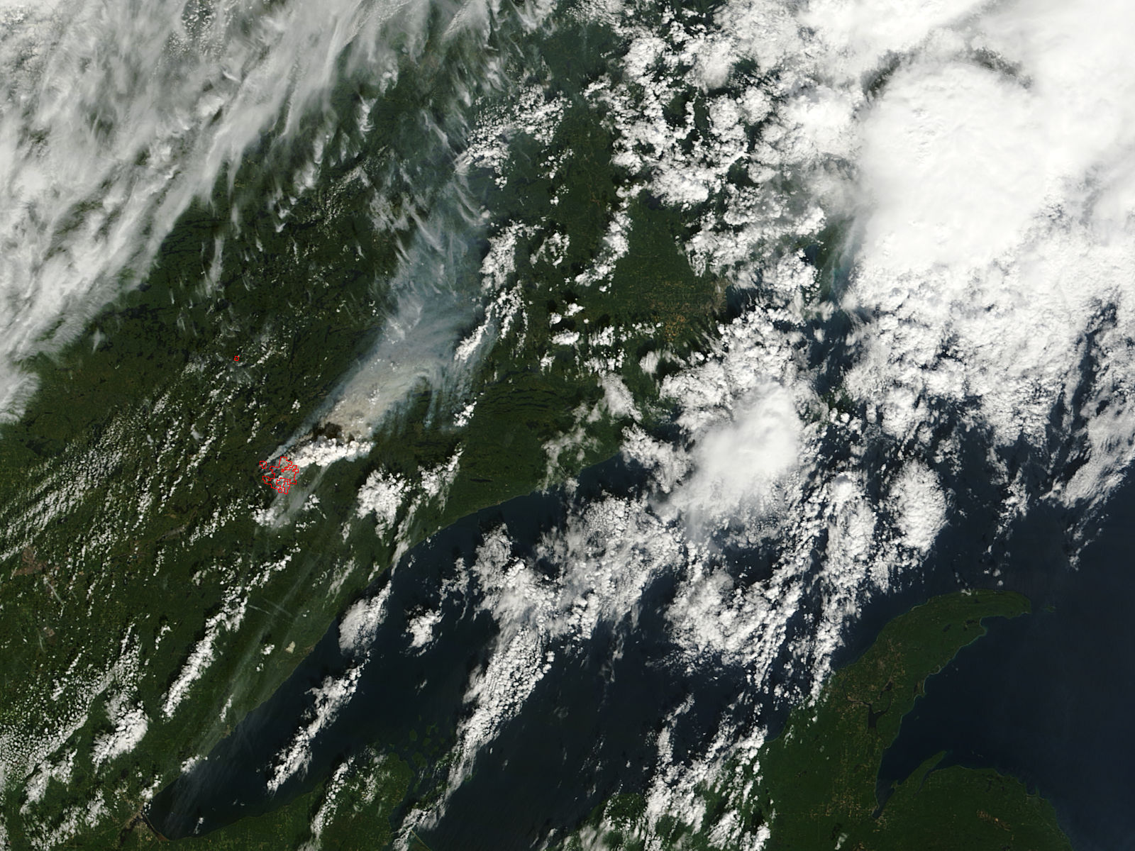 Pyrocumulus plume from fires in Minnesota (morning overpass) - related image preview