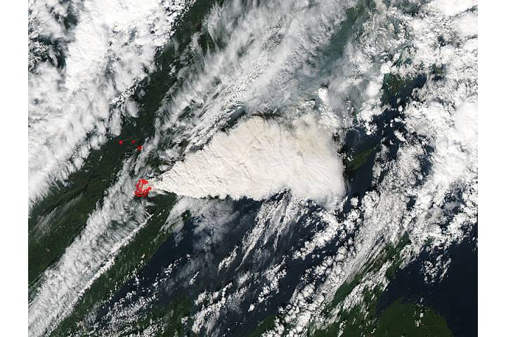 Pyrocumulus plume from fires in Minnesota (afternoon overpass) - selected image