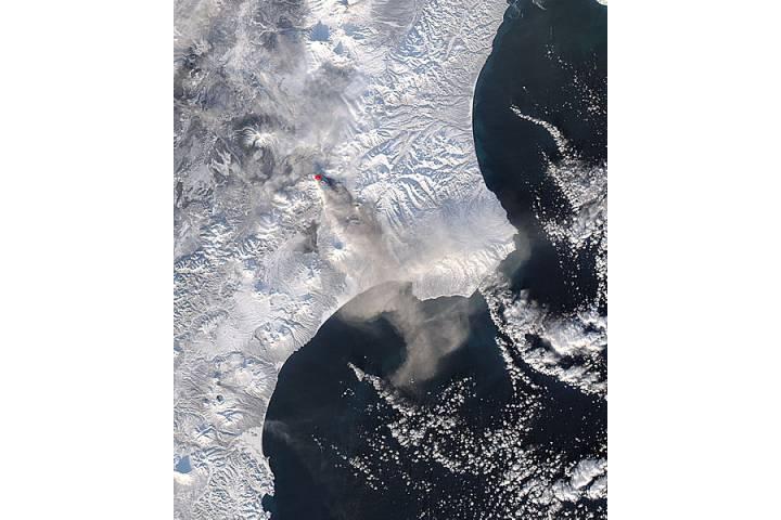 Ash plume from Kizimen, Kamchatka Peninsula, eastern Russia (afternoon overpass) - selected image