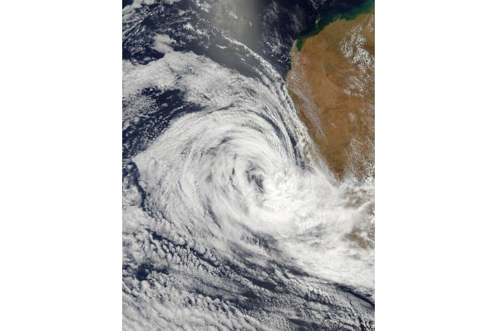 Tropical Cyclone Iggy (09S) approaching Australia - selected image