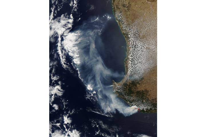 Smoke and fires in southwest Australia - selected image