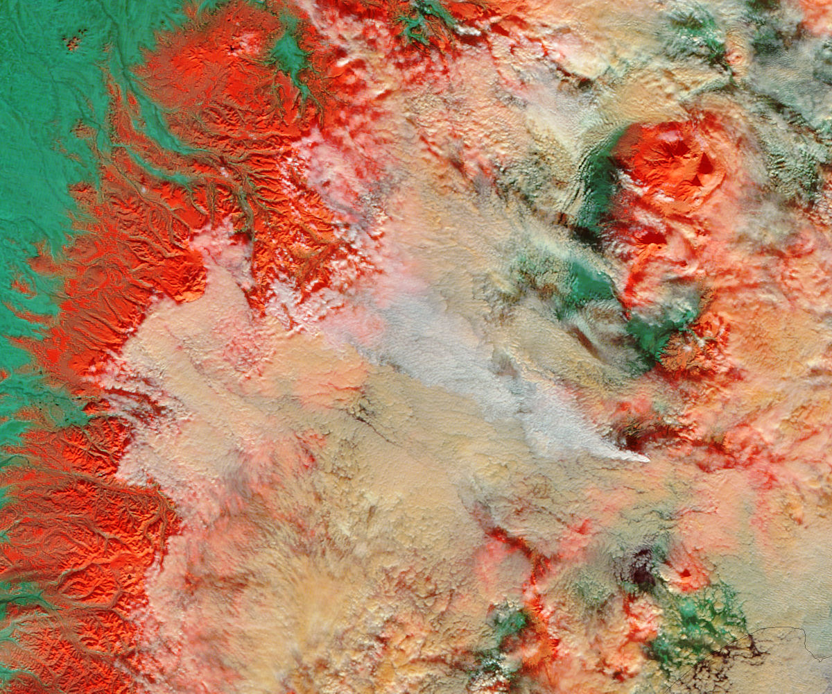 Plume from Kizimen, Kamchatka Peninsula, eastern Russia (false color) - related image preview