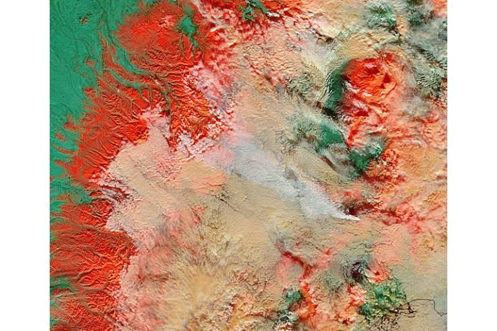 Plume from Kizimen, Kamchatka Peninsula, eastern Russia (false color) - selected image