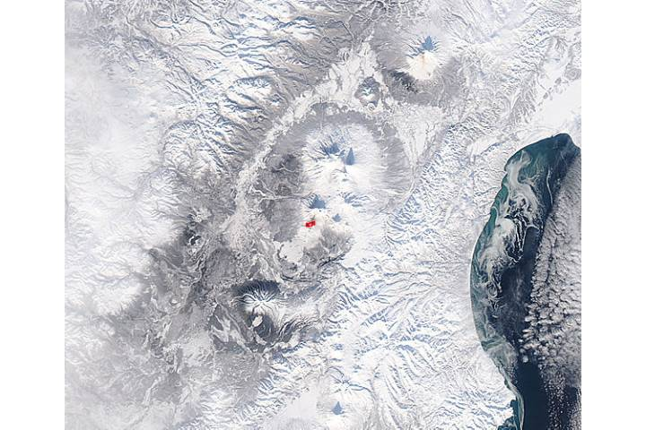 Eruption at Plosky Tolbachik, Kamchatka Peninsula, eastern Russia - selected image