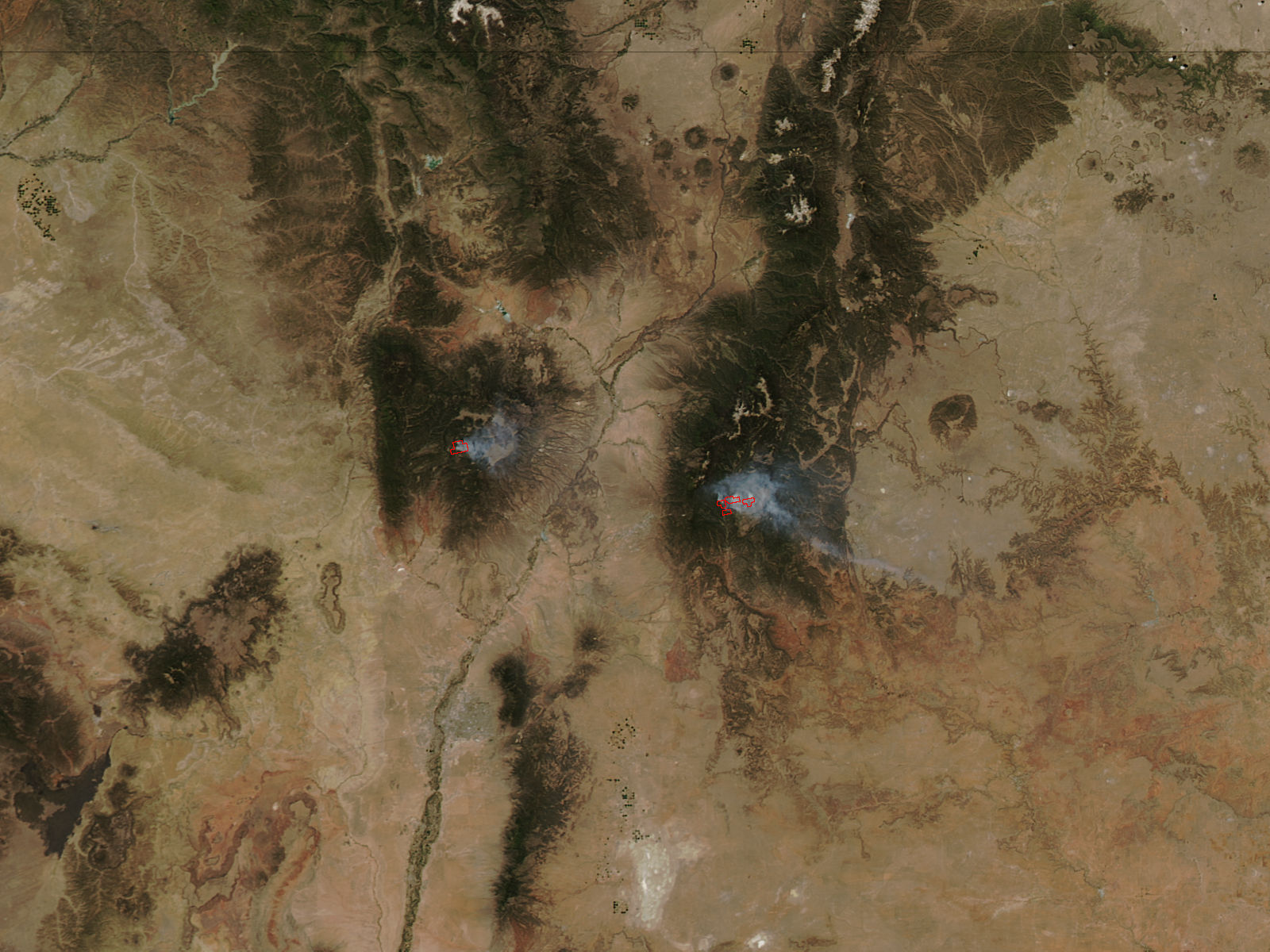 Thompson Ridge and Tres Lagunas Fires, New Mexico - related image preview