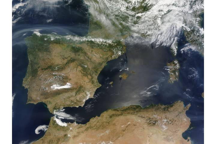 Smoke from Canadian fires over the Mediterranean Sea - selected image