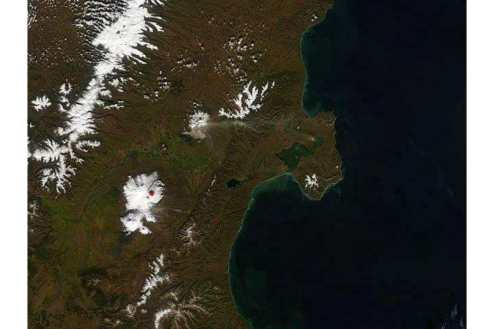 Activity at Shiveluch and Kliuchevskoi, Kamchatka Peninsula, eastern Russia - selected image
