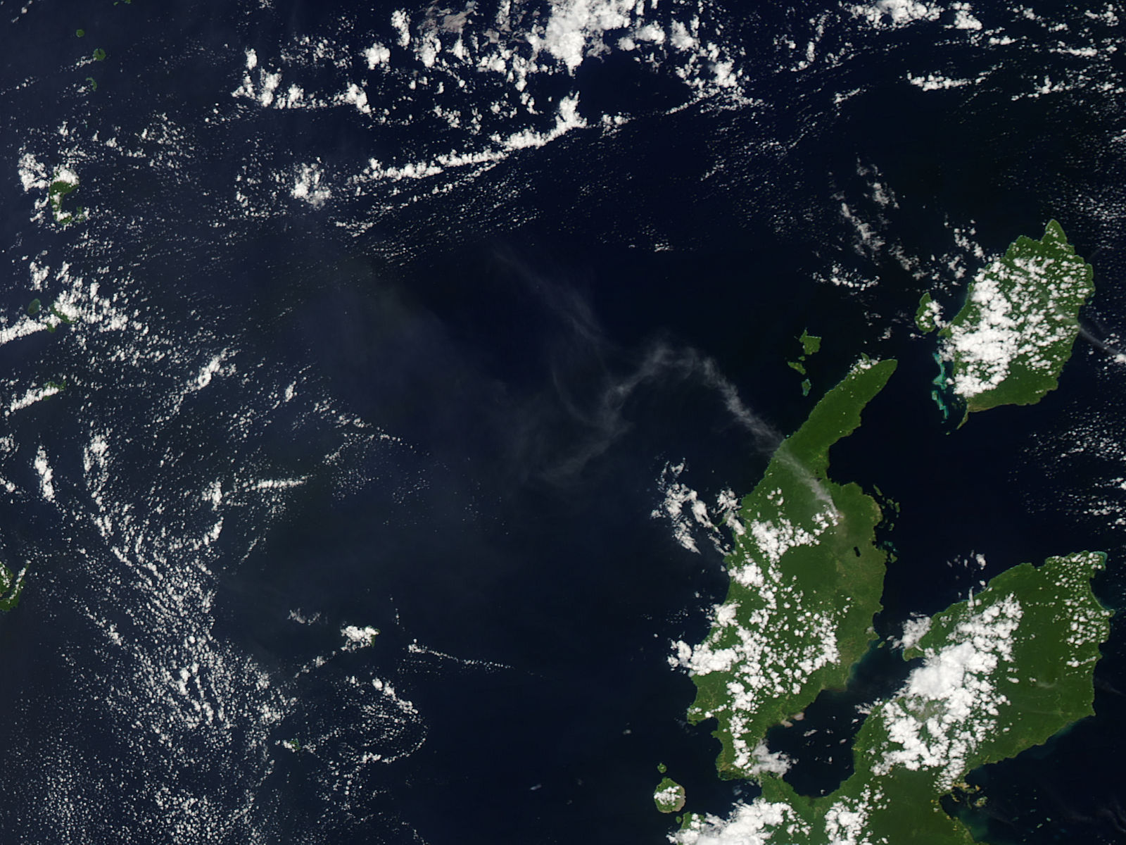Plume from Dukono, Halmahera, Indonesia - related image preview
