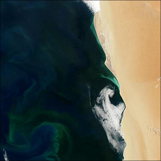 Hydrogen Sulfide Eruptions along the Coast of Namibia