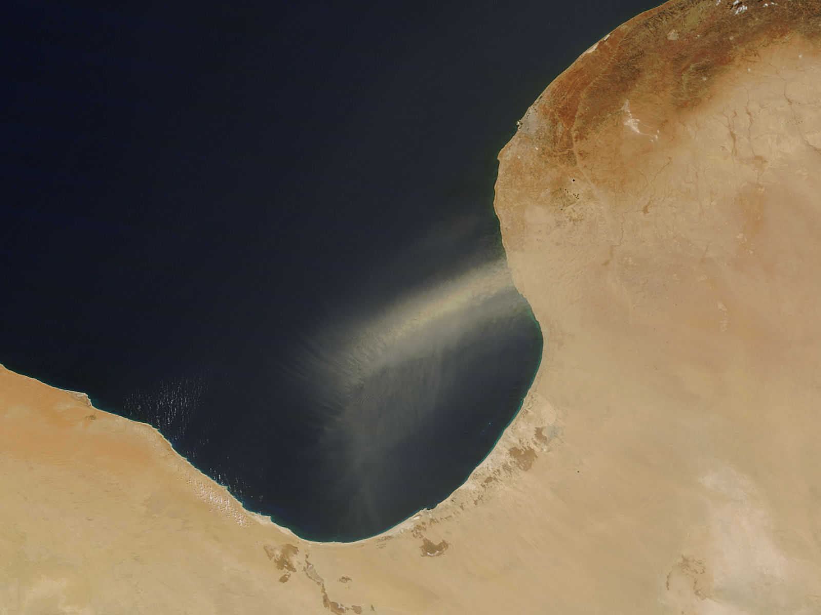 Dust storm off Libya - related image preview