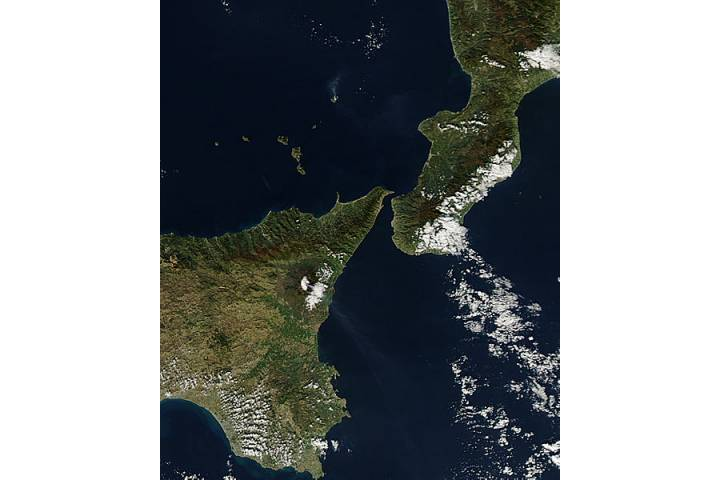 Activity at Mt. Etna and Stromboli - selected image