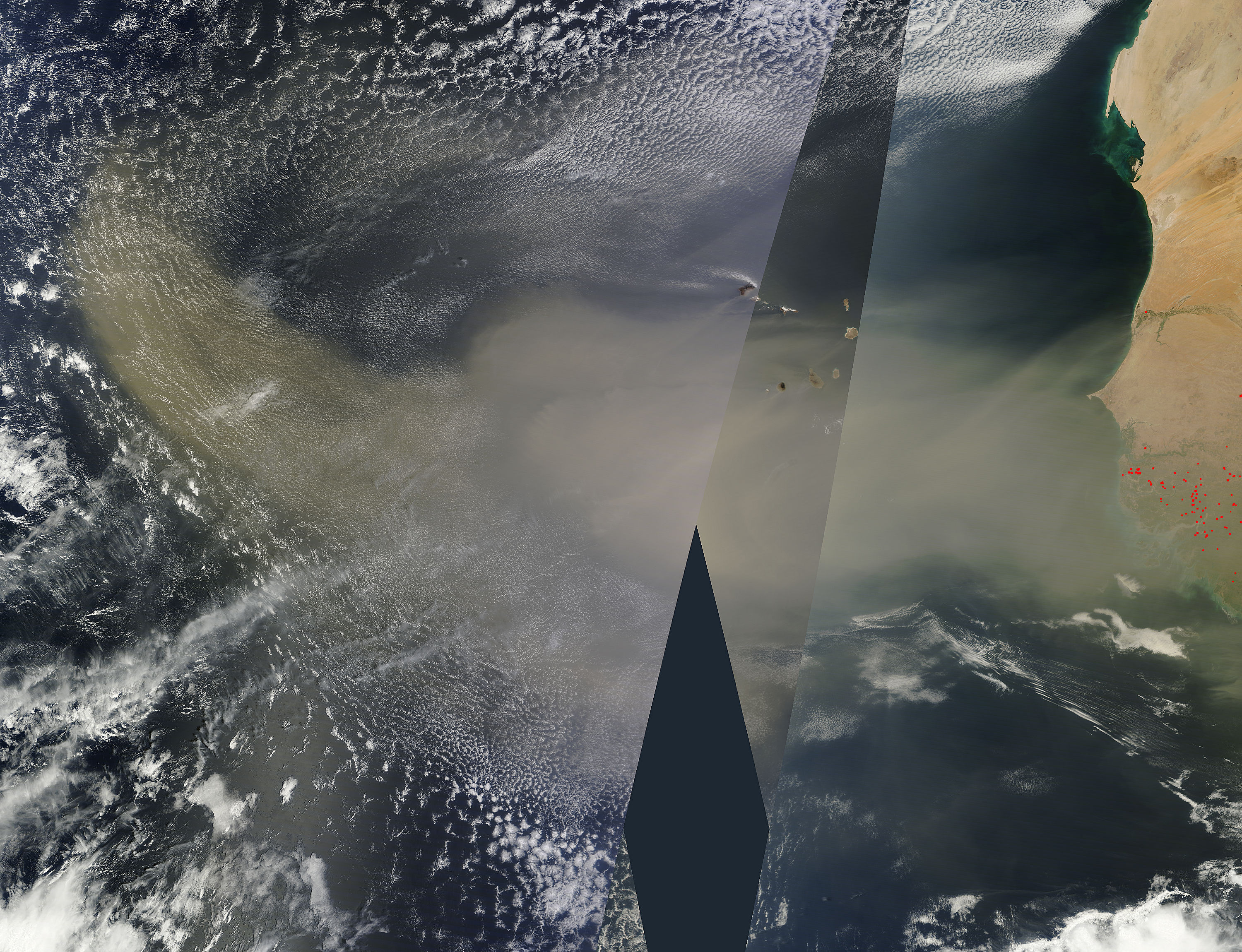 Saharan dust over the Atlantic Ocean - related image preview