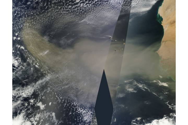 Saharan dust over the Atlantic Ocean - selected image