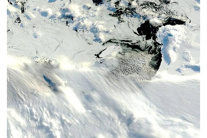 Iceberg B34 in the Amundsen Sea, Antarctica - selected image