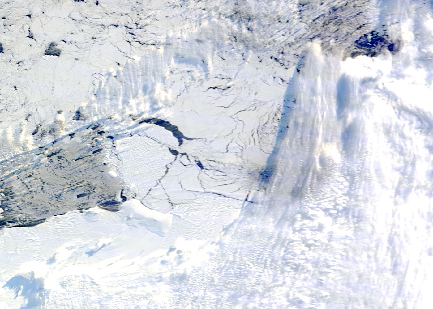 Iceberg B34 in the Amundsen Sea, Antarctica - related image preview