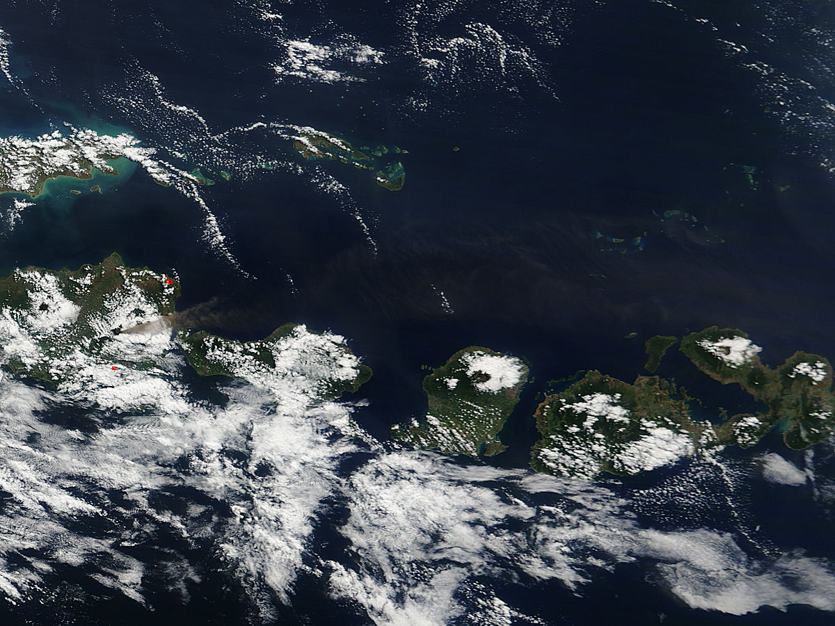 Plume from Raung volcano, Java Island - related image preview