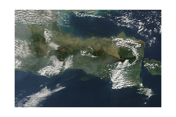 Plume from Raung volcano, Java Island - selected image