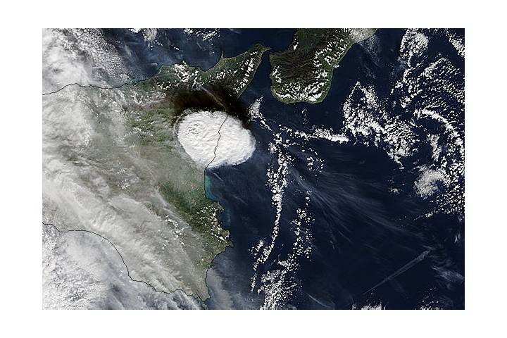 Cloud from Mt. Etna, Sicily (morning overpass) - selected image