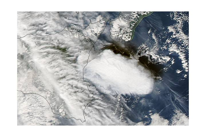 Cloud from Mt. Etna, Sicily (afternoon overpass) - selected image