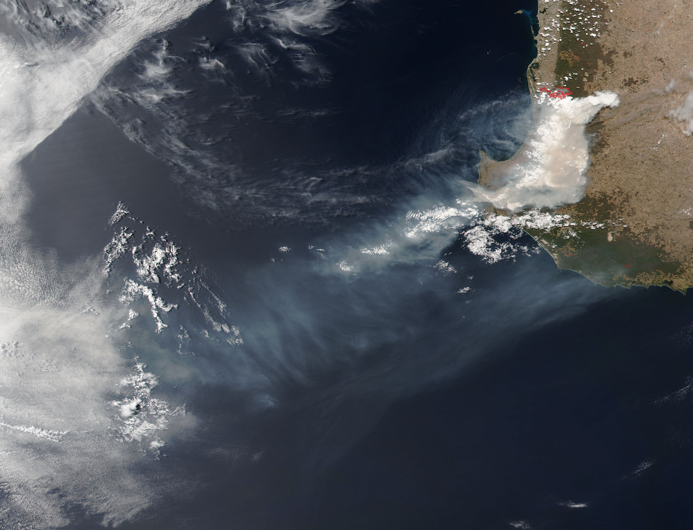 Fires and smoke in southwestern Australia - related image preview