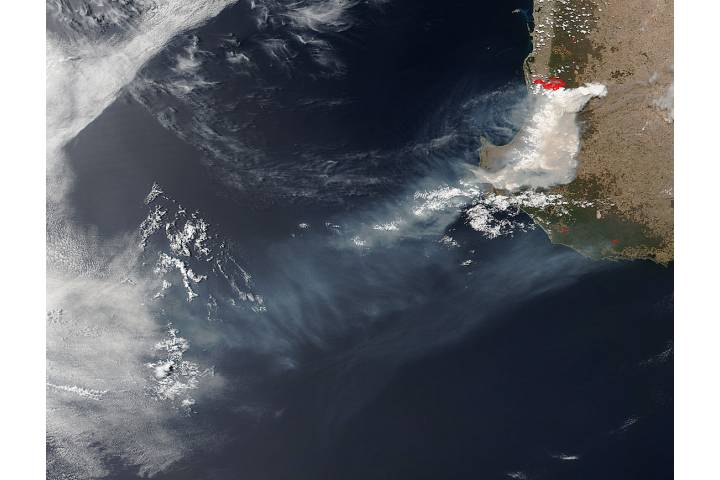 Fires and smoke in southwestern Australia - selected image