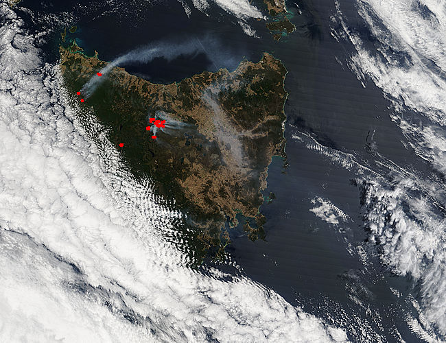 Fires and smoke in Tasmania (morning overpass) - related image preview