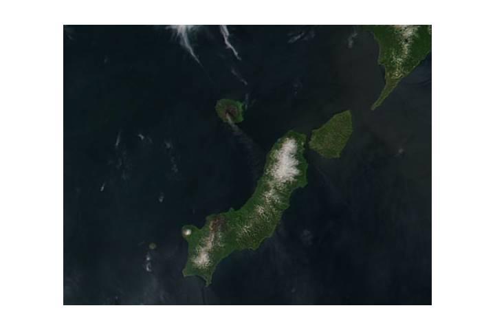 Plume from Alaid, Atlasov Island, Kuril Islands - selected image