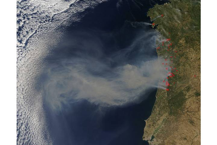 Smoke from fires in Portugal - selected image