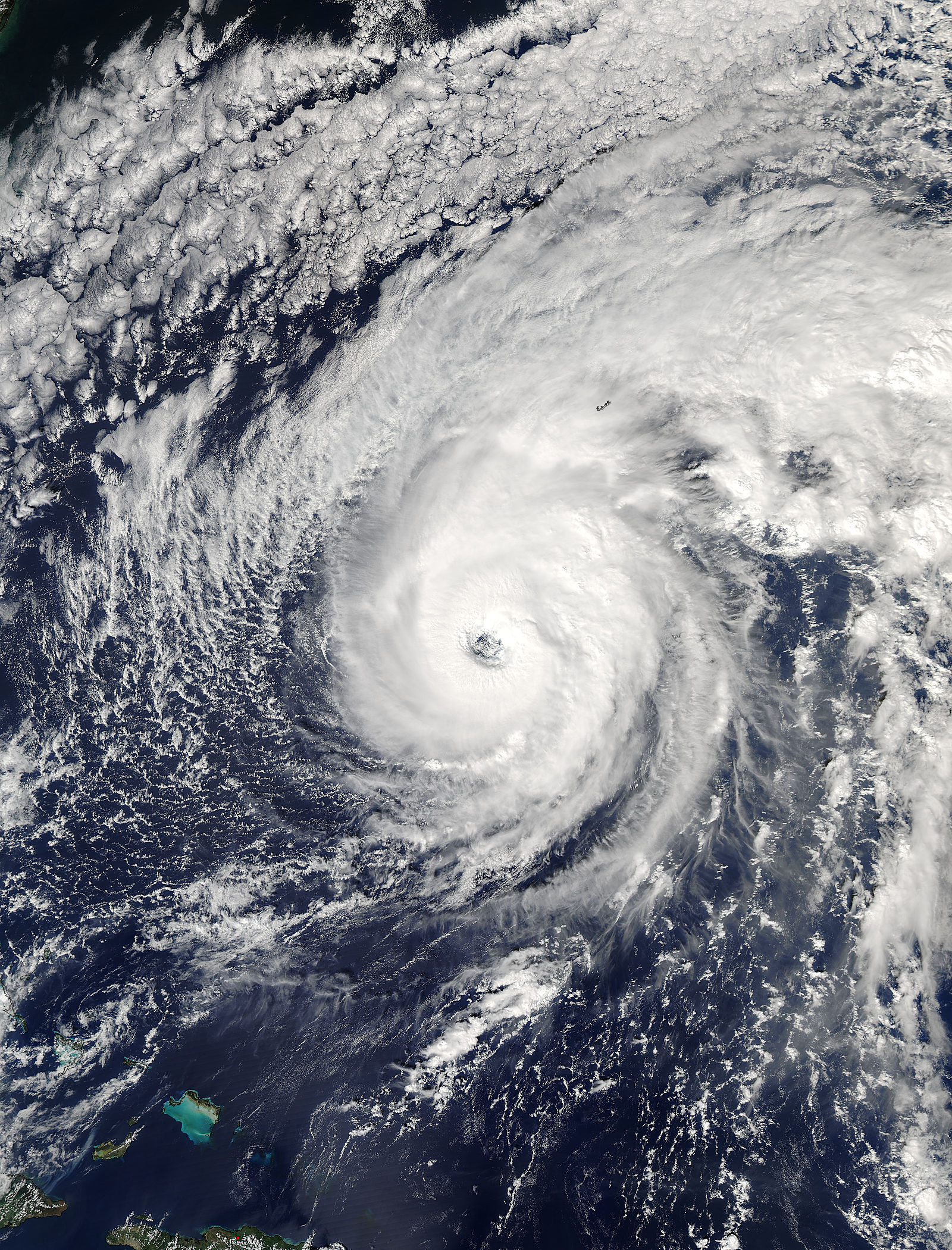 Hurricane Nicole (15L) approaching Bermuda - related image preview