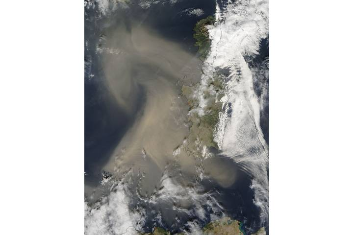 Dust storm over the Mediterranean Sea - selected image