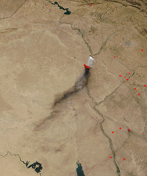 Smoke and sulfur dioxide plumes in Iraq - related image preview