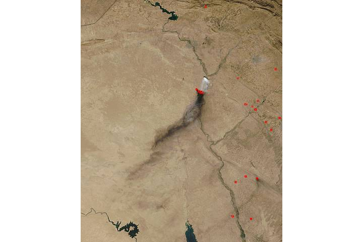 Smoke and sulfur dioxide plumes in Iraq - selected image
