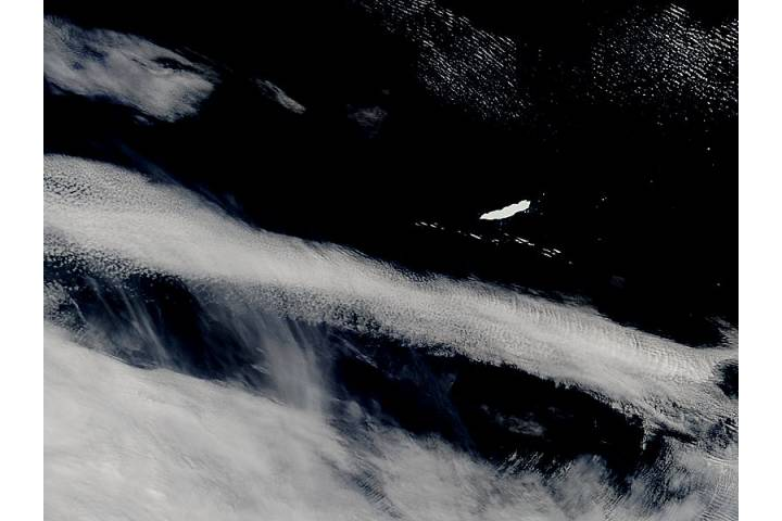 Iceberg B15K in the South Atlantic Ocean - selected image