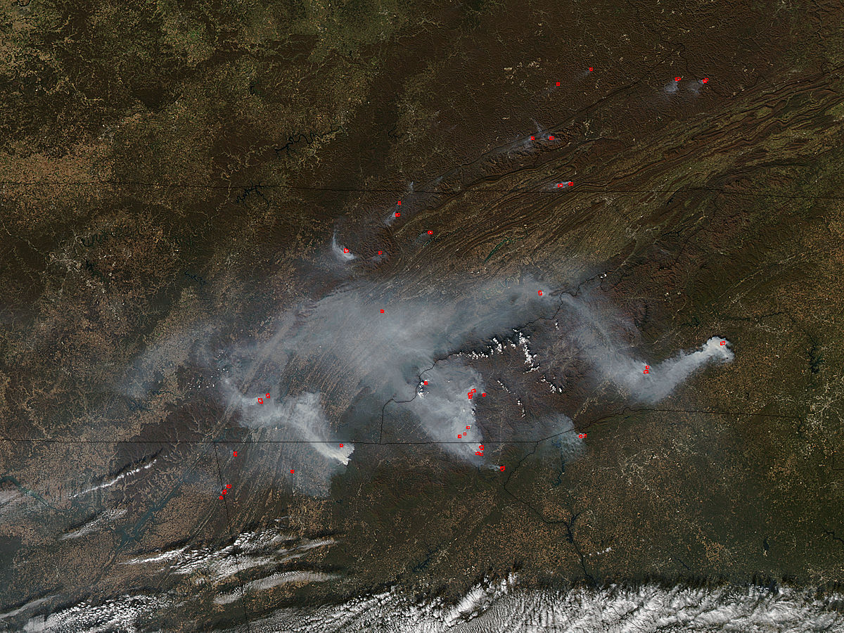 Smoke and fires in southeastern United States - related image preview