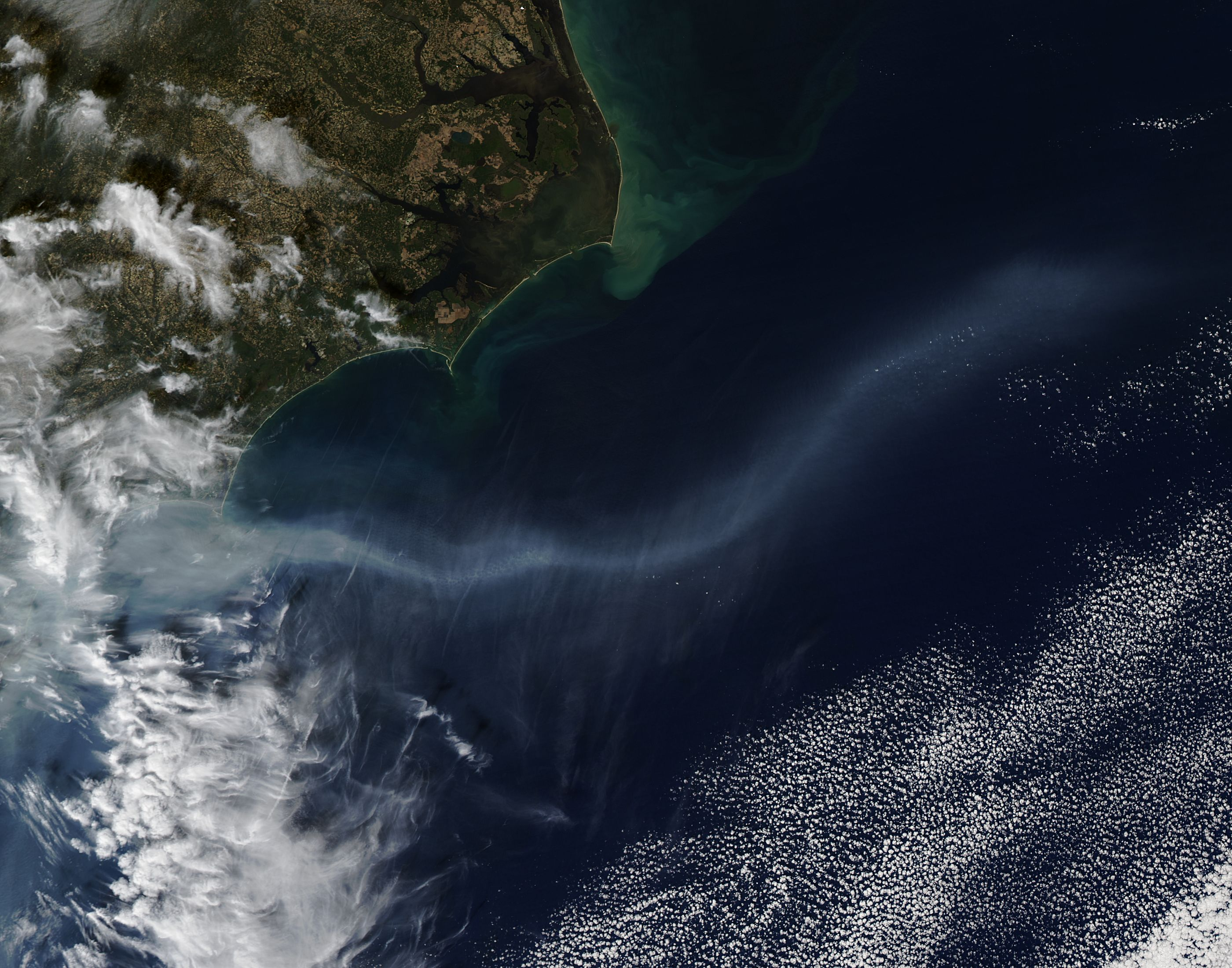 Smoke from southeastern wild fires over the Atlantic Ocean - related image preview