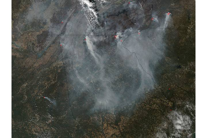 Smoke and fires in southeastern United States - selected image