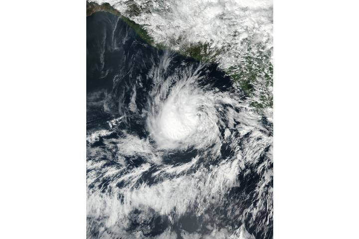 Tropical Storm Otto (22E/16L) in the eastern Pacific - selected image
