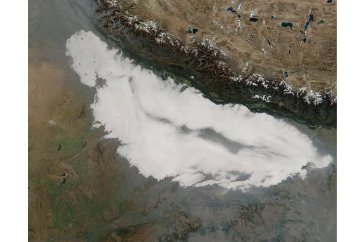 Low morning clouds over northern India - selected image