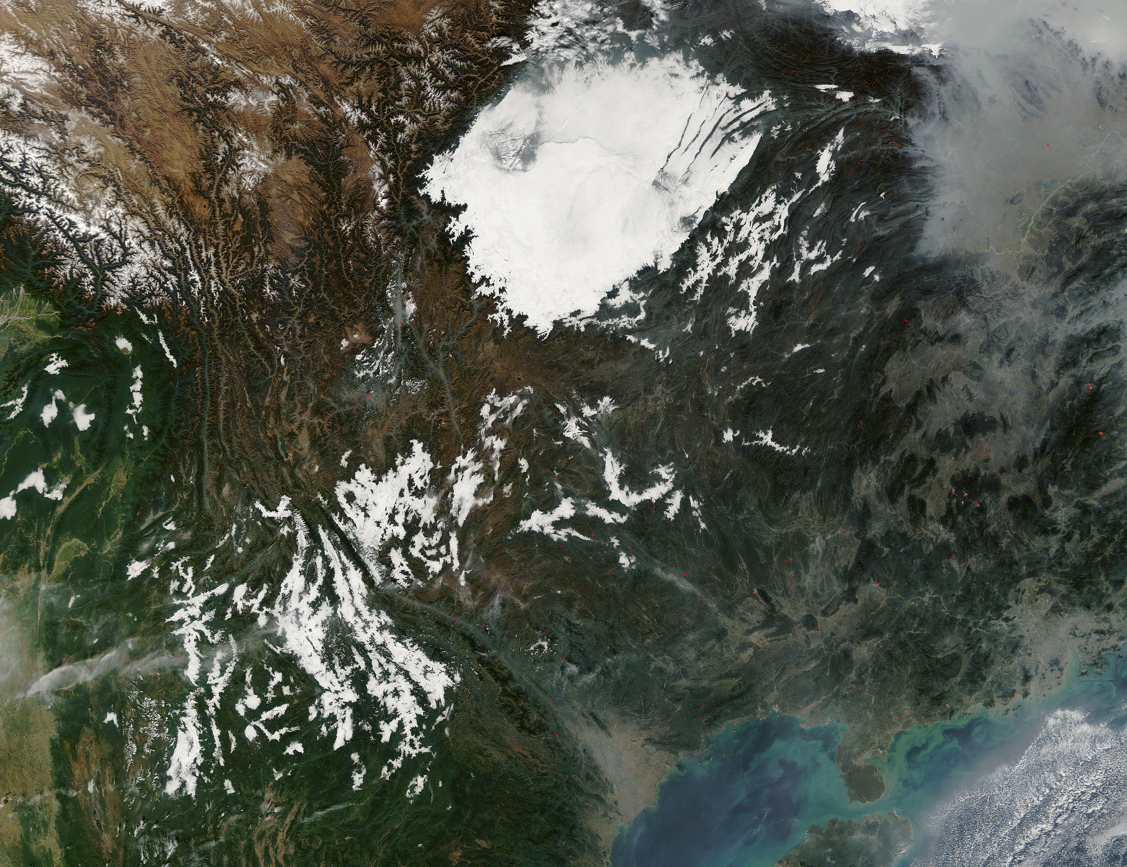 Low clouds in central China - related image preview